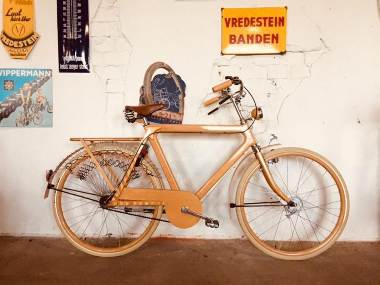Houten Gazelle